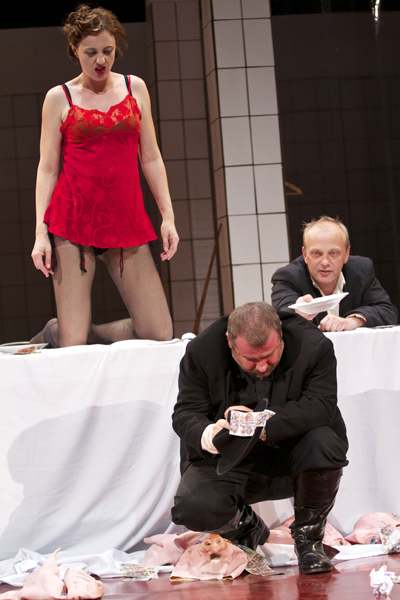 A hentessegéd a Komáromi Jókai Színházban